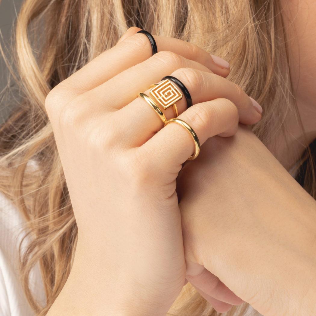 prsten lavirint KI